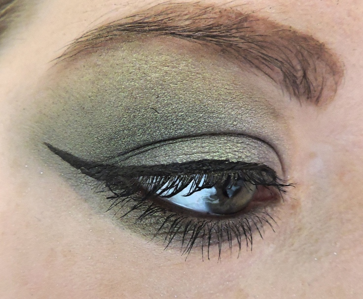 green-eye-side